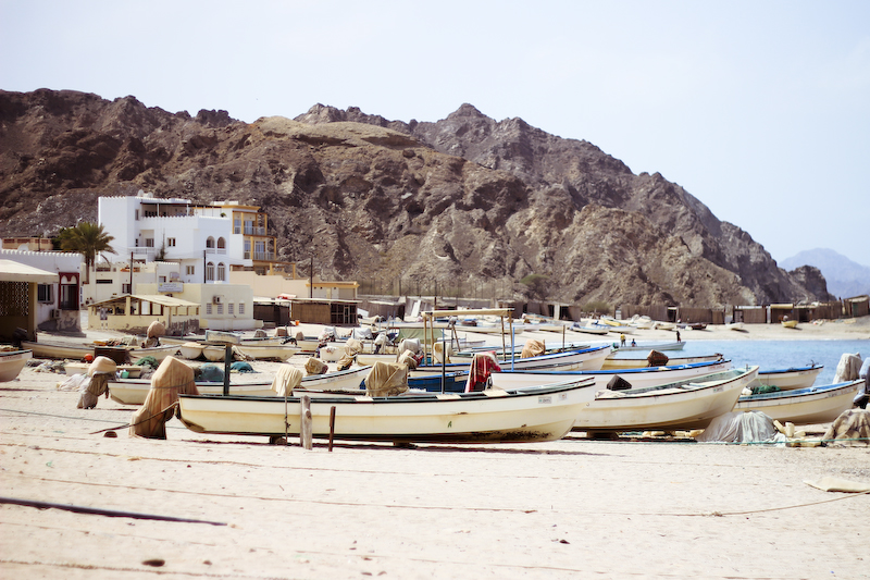 oman beach boats