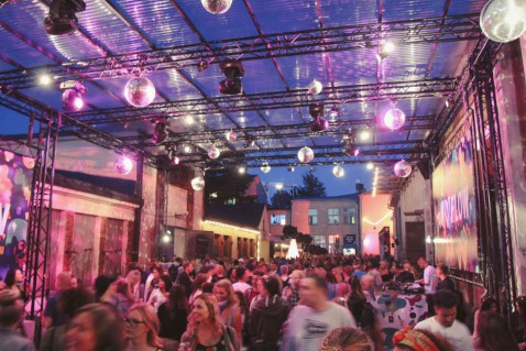 Flow Festival Helsinki 2015 Niederwipper Gelände Überblick Nacht 2