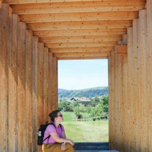 Architektur im Bregenzerwald – Komm, wir warten auf den Bus